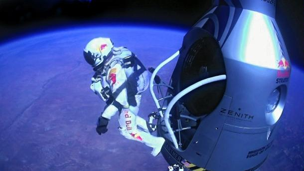 Felix Baumgartner Leaving Pod